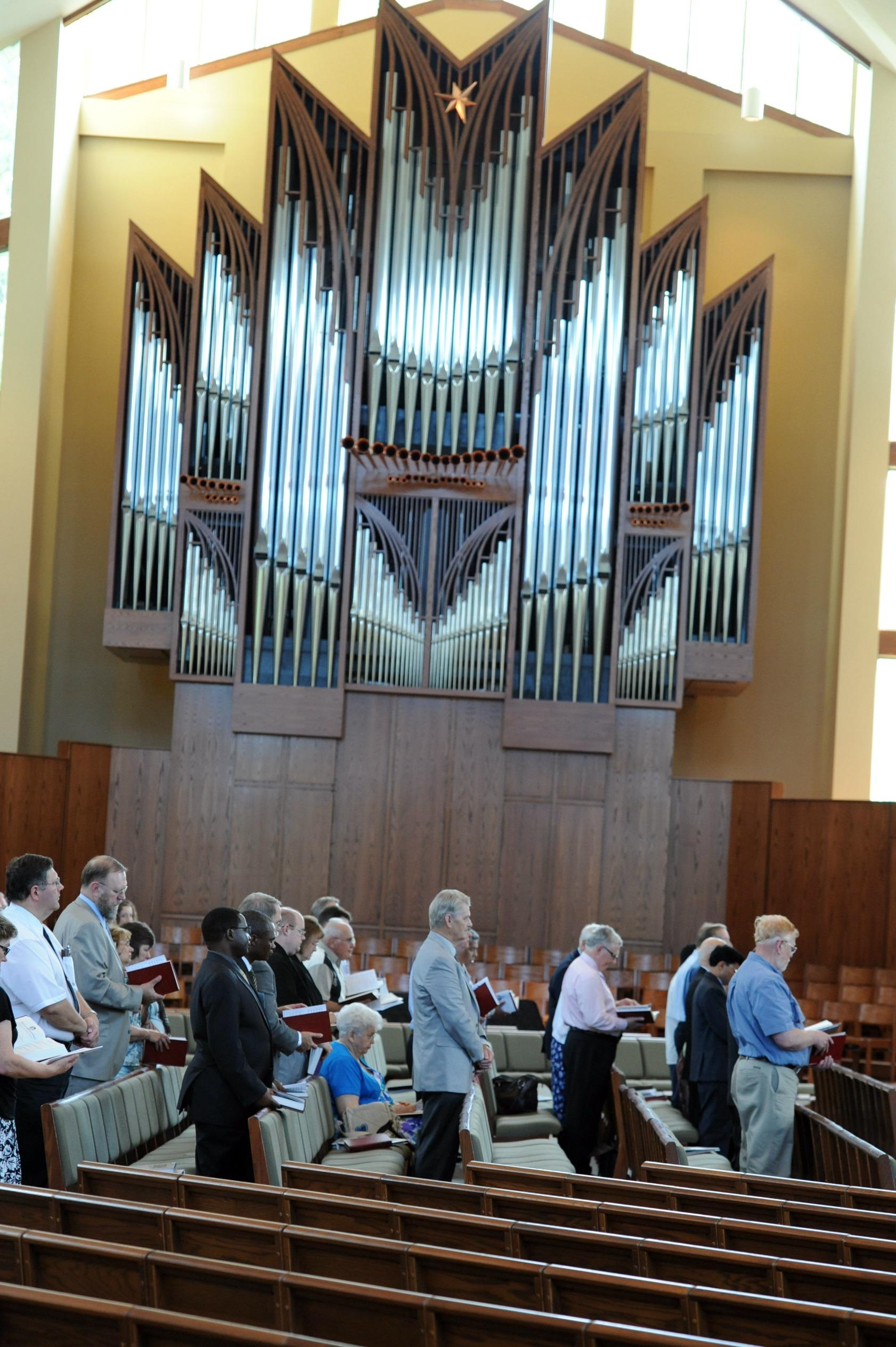 worship - opening service6
